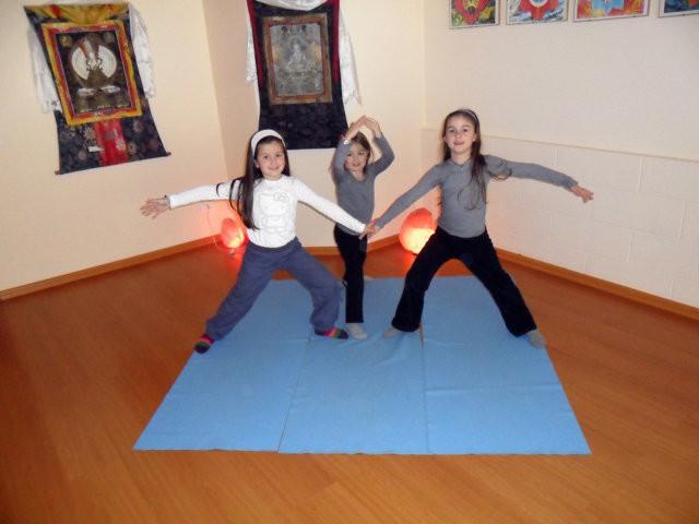 Associazione yoga kambliswami yoga per bambini - Asta del mobile finale ligure ...