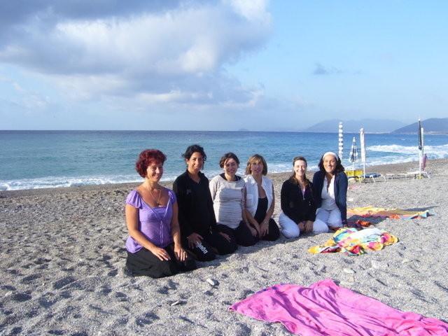 Associazione yoga kambliswami yoga in gravidanza - Asta del mobile finale ligure ...