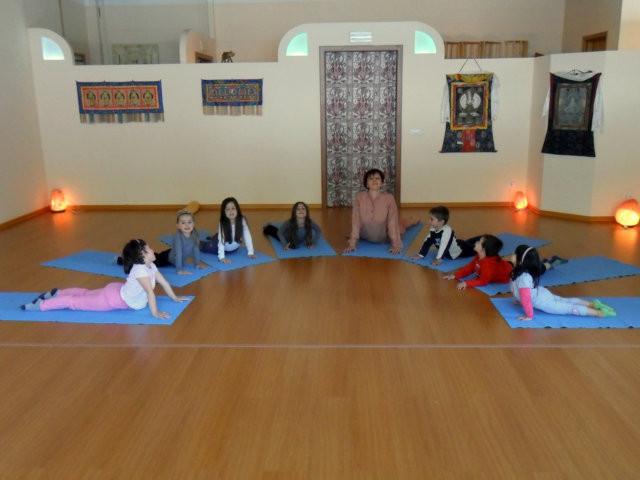 Associazione yoga kambliswami yoga per mamme e bambini - Asta del mobile finale ligure ...